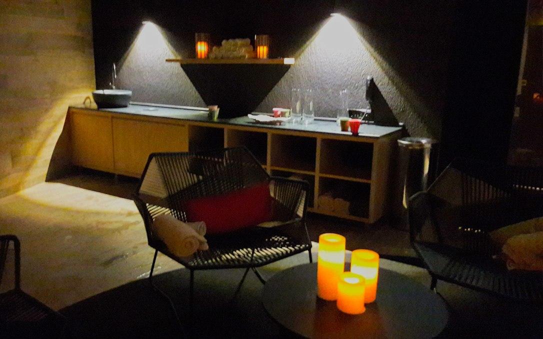 lydia_lounge2